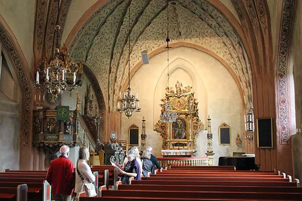 Interiör från Länna kyrka.