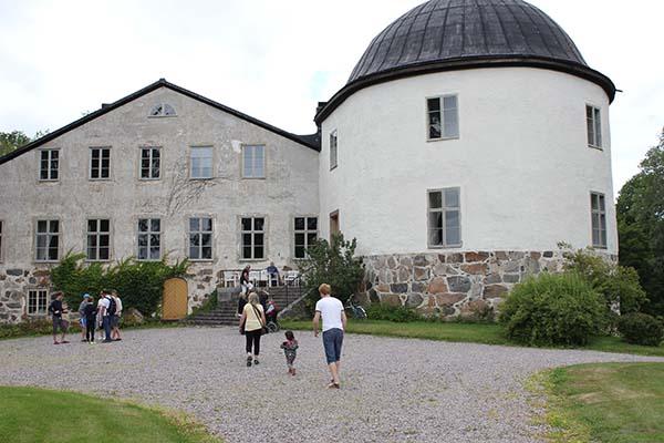 Foto av Penningby slott. Fotograf Peter Ekeroth.